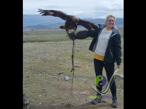 Holding hunter eagle