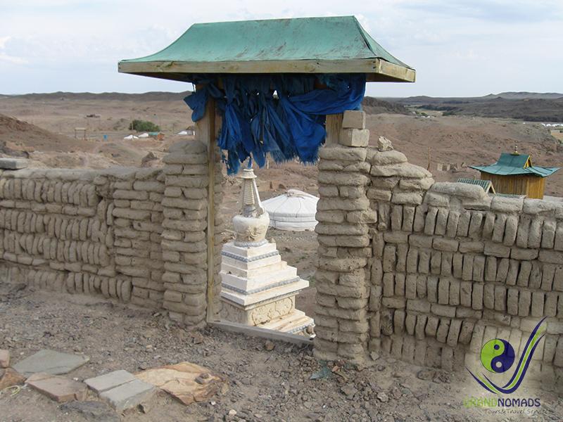 Ongi Temple and monastery ruins.