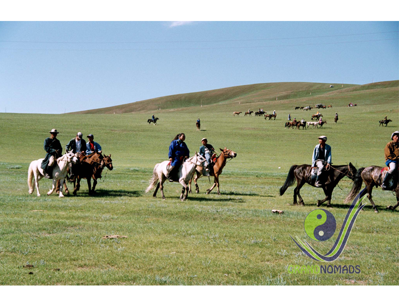 Tsenkher Hot Spa – Khooltiin Davaa, horseback riding.