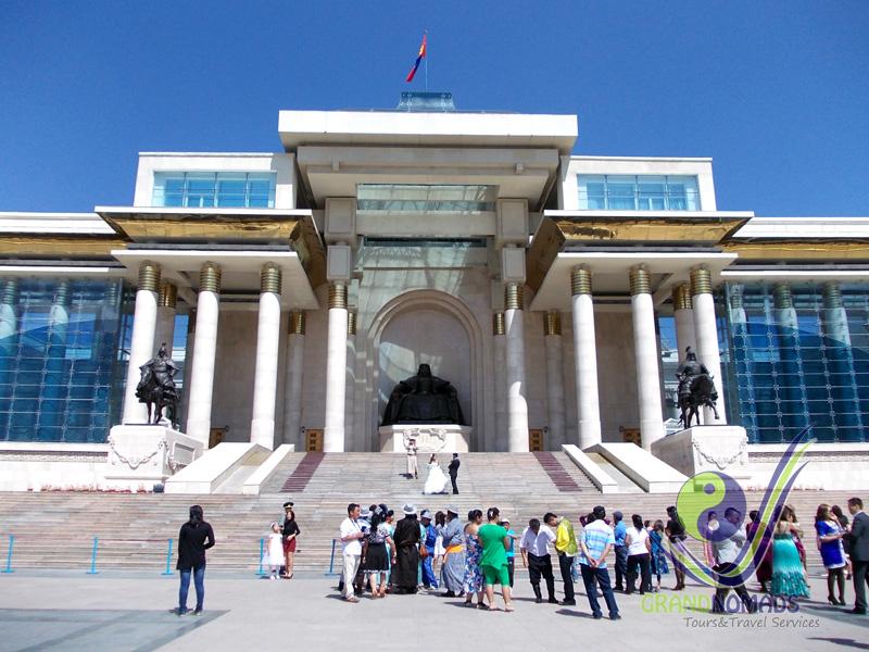 Genghis Square (Sukhbaatar Square).