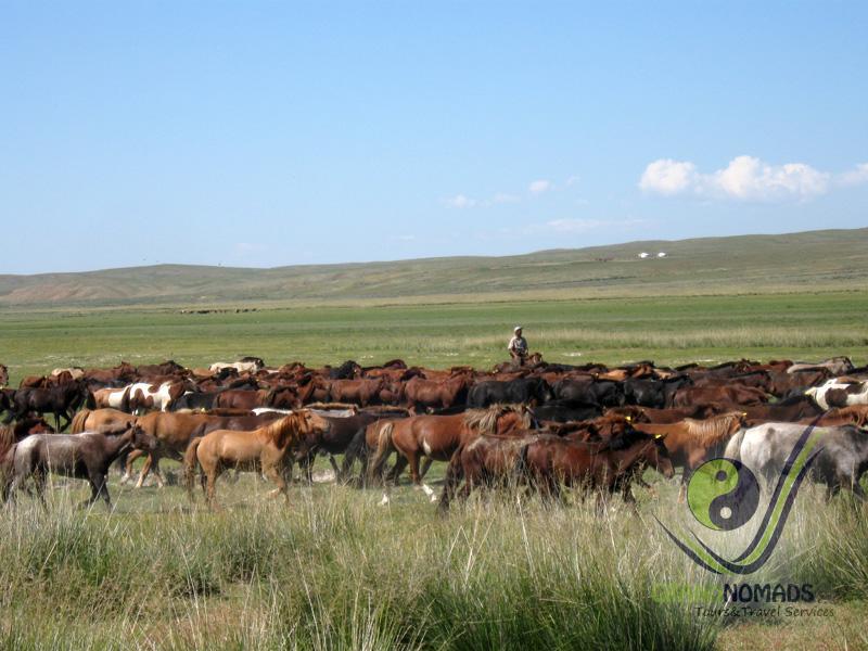 Khoolt – Sant, horseback riding.